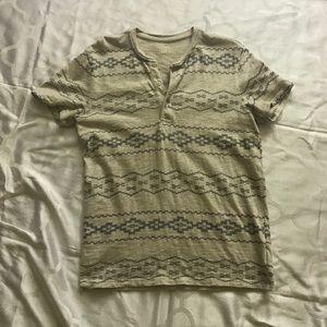 Gap men's 3/4 button up cotton shirt.  Size M